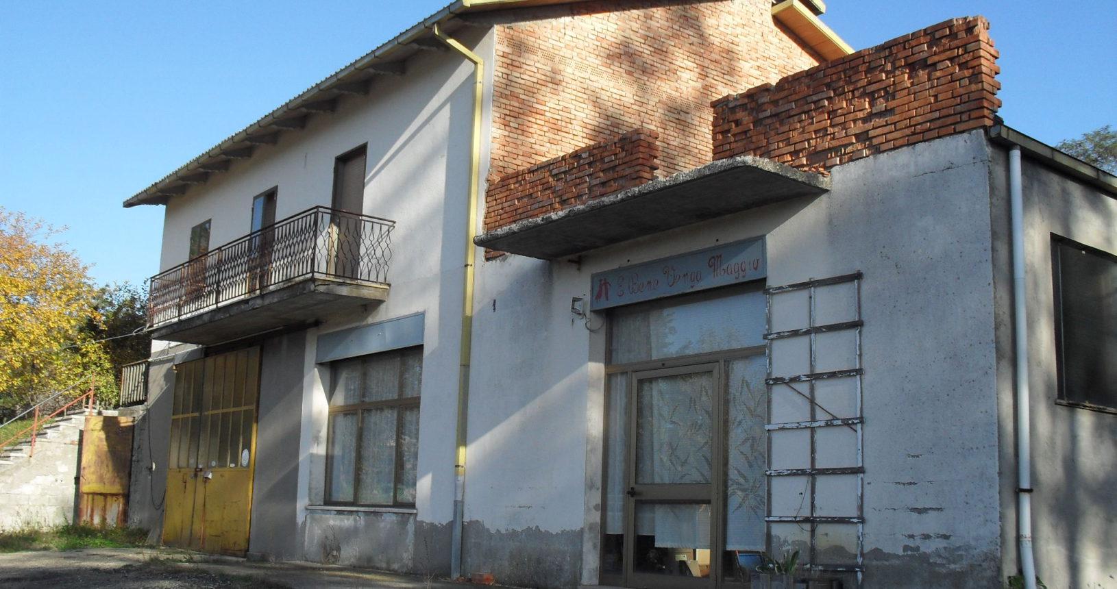 Ristrutturazione edilizia con cambio d'uso
